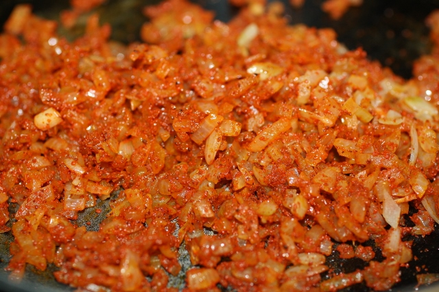 sautee onions with chilli peppers