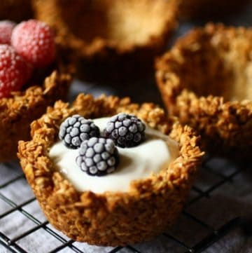 Easy breakfast granola cups