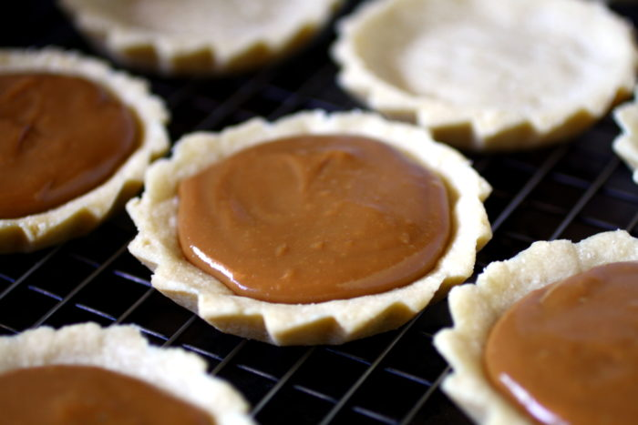 Mini banoffee pies with filling